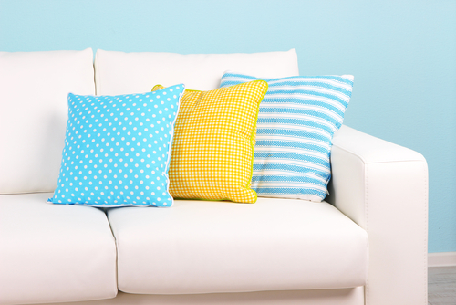 6 Easy Steps On Cleaning Your White Sofa