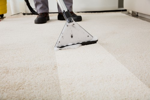 Carpet hot water extraction