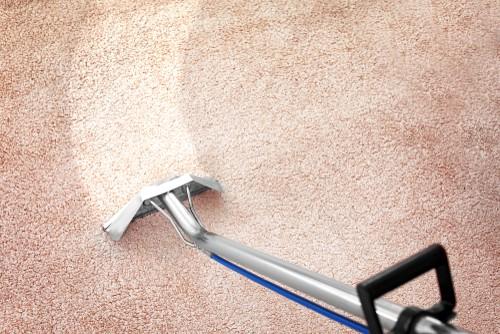 Carpet steam cleaning machine